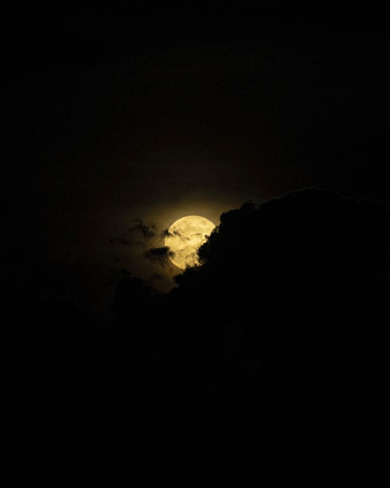 Moon 4-1_low